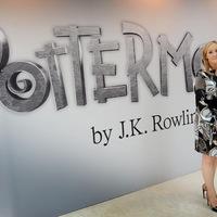 Jó hír azoknak, akik szeretik J. K. Rowling műveit!