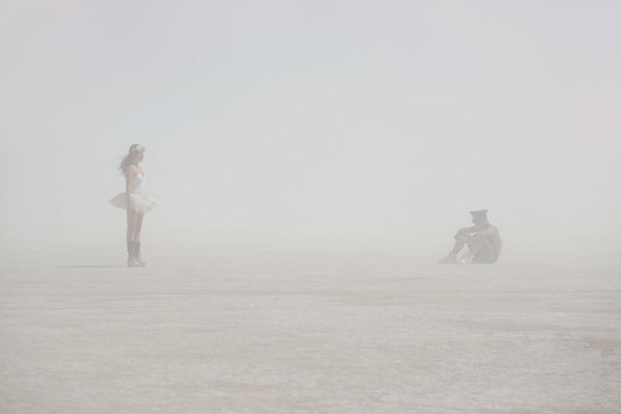 dust-portraits-_gabriel-de-la-chapelle-3_880.jpg