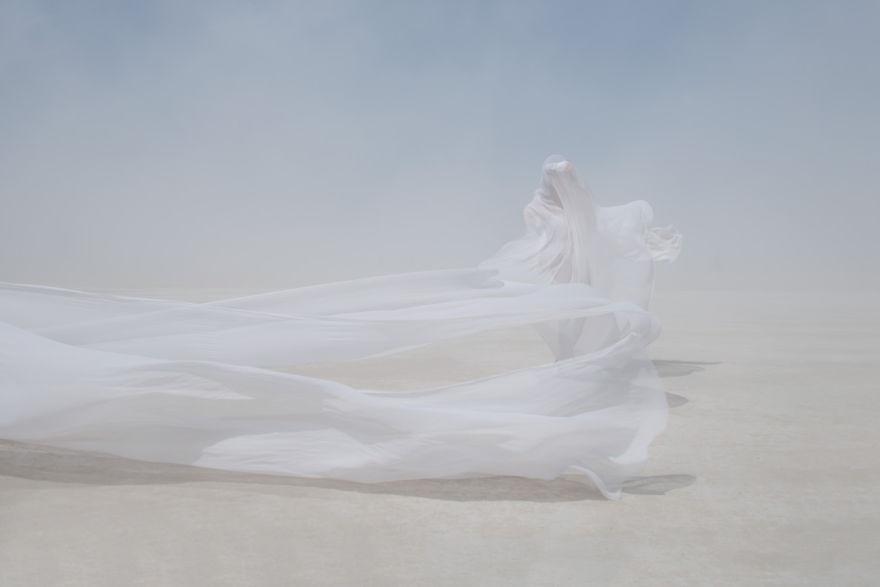 dust-portraits-_gabriel-de-la-chapelle-4_880.jpg