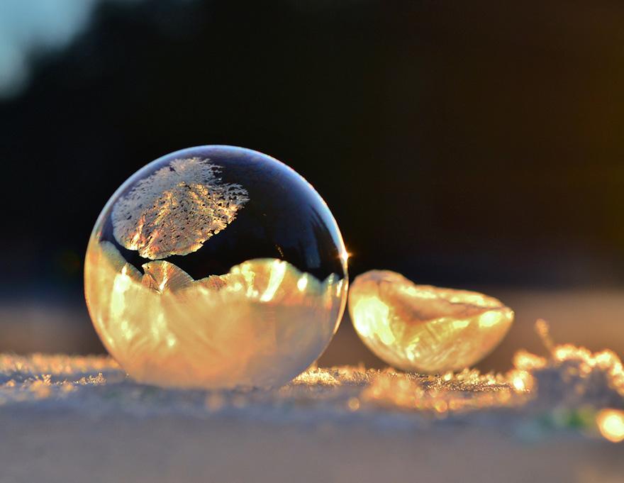 frozen-bubbles-angela-kelly-1.jpg