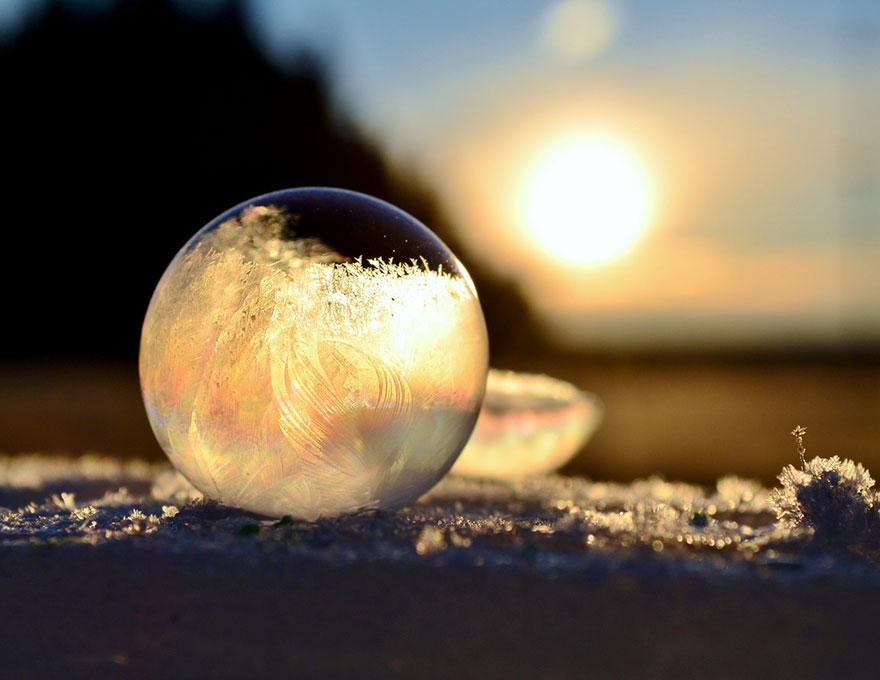 frozen-bubbles-angela-kelly-11.jpg