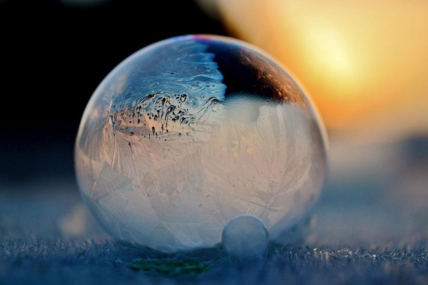 frozen-bubbles-angela-kelly-12.jpg