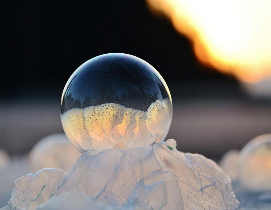 frozen-bubbles-angela-kelly-3.jpg