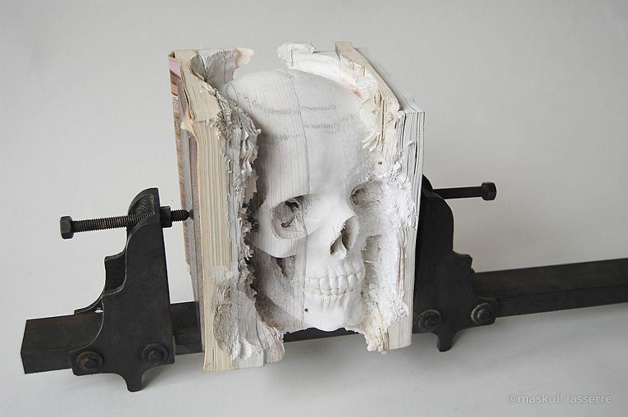 book-sculpture-cutting-paper-art-8_880.jpg
