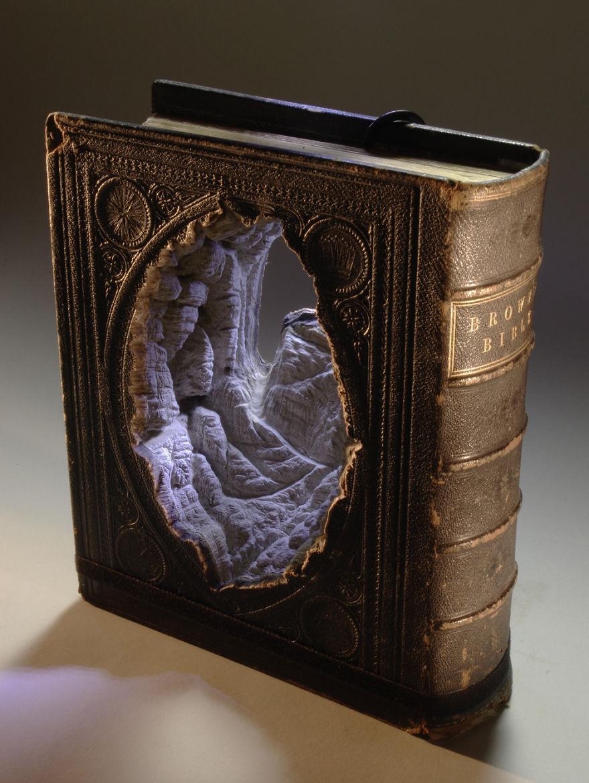 book-sculpture-cutting-paper-art-9_880.jpg