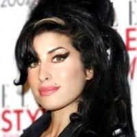 Szobrot kap Amy Winehouse Londonban
