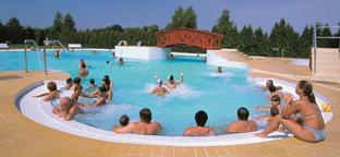 Vizes szórakozás apróságokkal - gyerekbarát élményfürdők