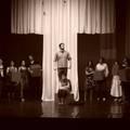 Hallgatók a színpadon