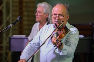Július 17-én indul nyári turnéjára a Csík Zenekar