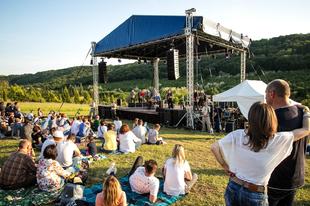 Erdőszéli koncerthangulatok, avagy júliusban újra lesz Örvényeshegy Piknik!