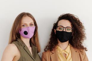 Így szabadulj meg a maszkok okozta pattanásoktól!