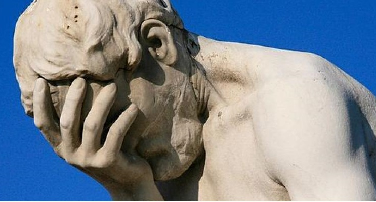 cropped-paris_tuileries_garden_facepalm_statue.jpg