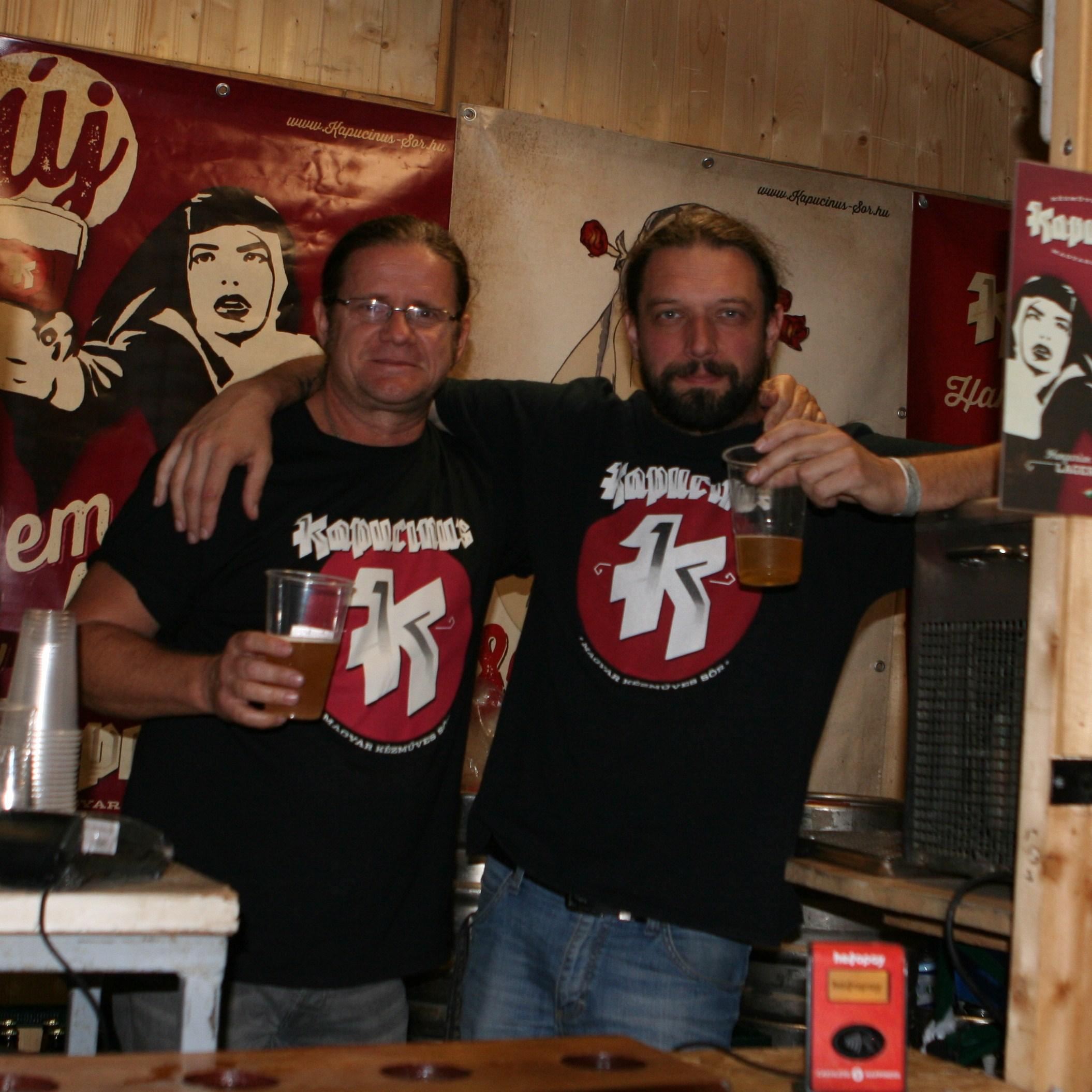A Kapucinus sör igazi kis pihenőként szolgált a sok magas fokú alkohol között. www.kapucinus-sor.hu