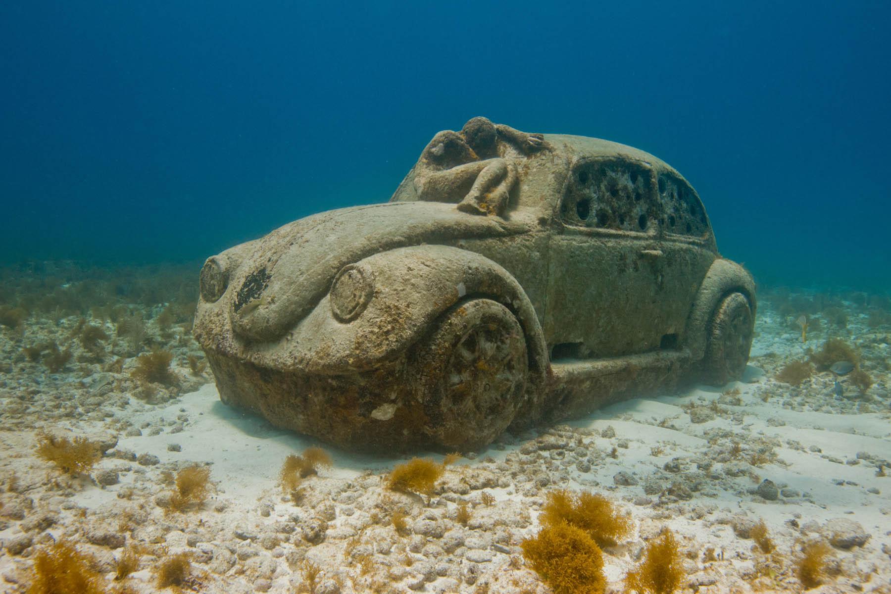 anthropocene-underwater-sculpture-jason-decaires-taylor.jpg