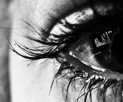 -crying-depressed-eyes-favim_com-727642.jpg