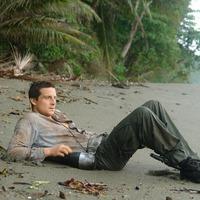 Túlélési tippek egy lakatlan szigetre Bear Grylls-től egy kalandregénybe oltva