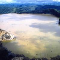 A robbanó tó tragédiája