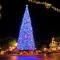 Különleges karácsonyfák a világ nagyvárosaiból