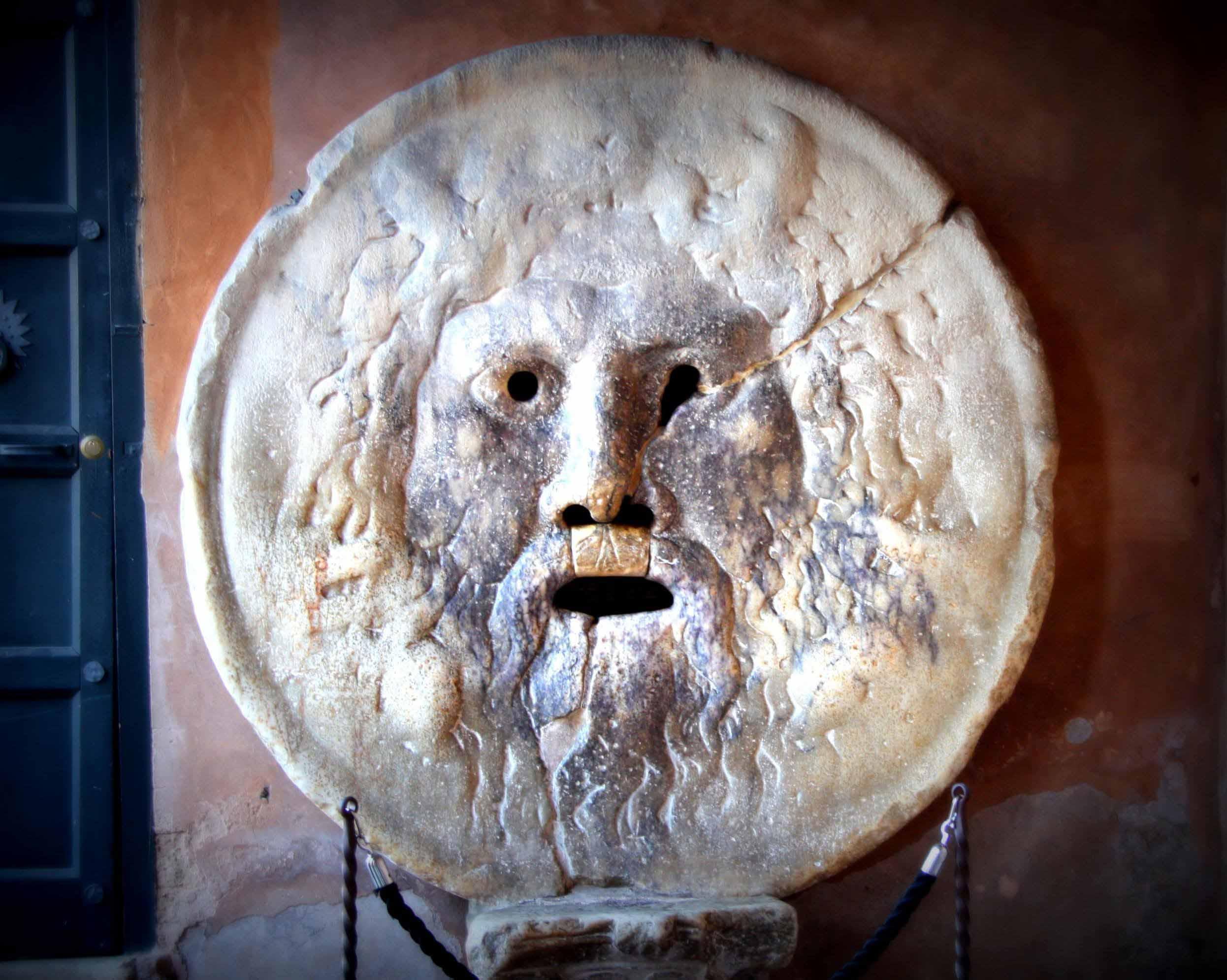 bocca-della-verit_places_to_see_in_rome_photo1-1.jpg