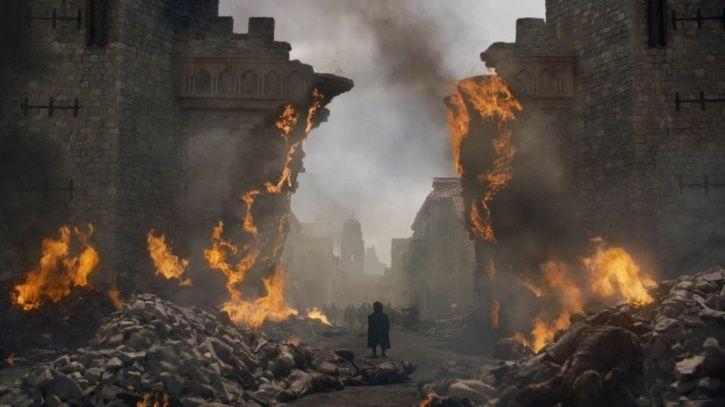 kings_landing_is_burned_in_game_of_thrones_by_dragons_1557726462_725x725.jpg