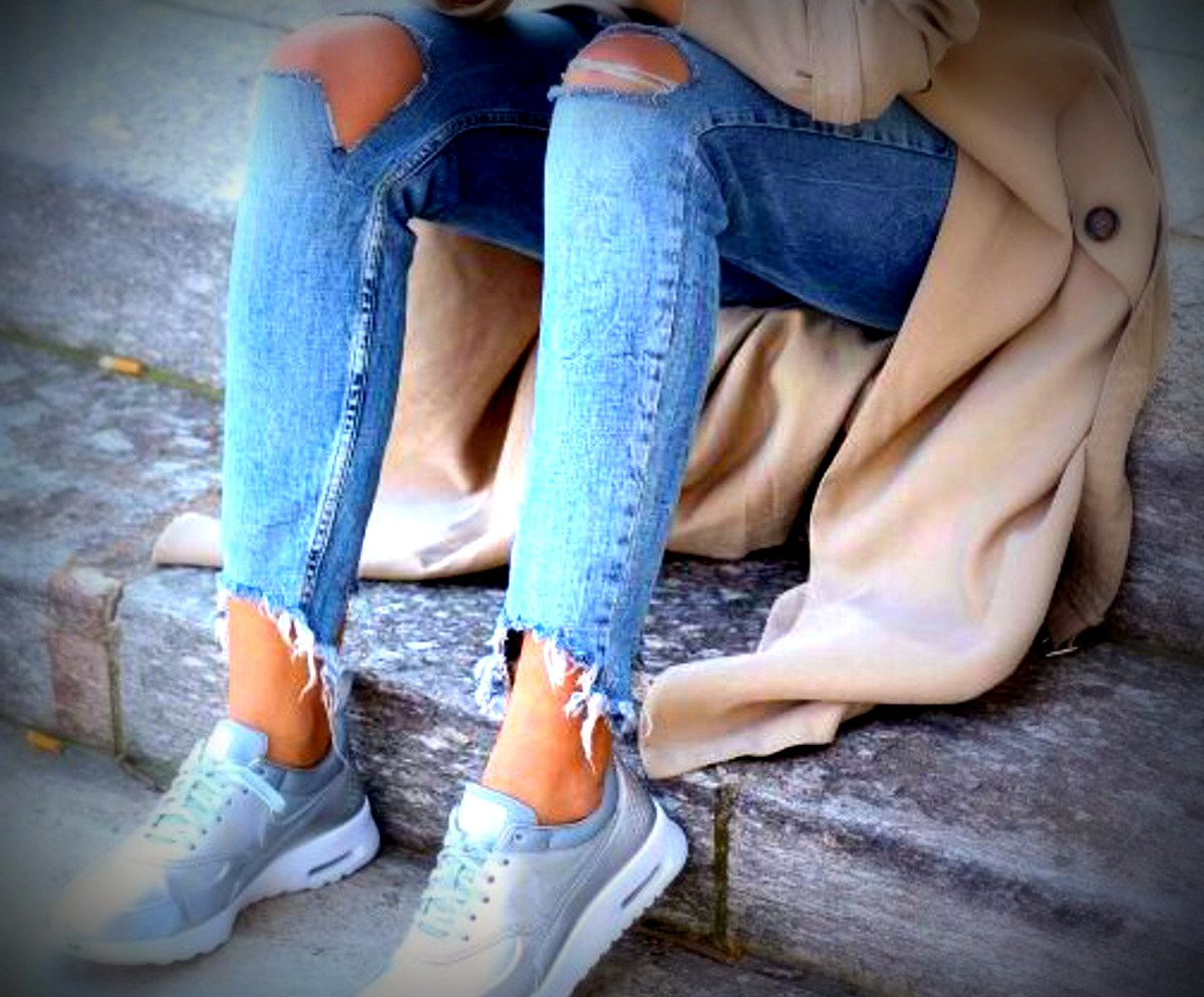 silver_sneakers_outfit_12.jpg