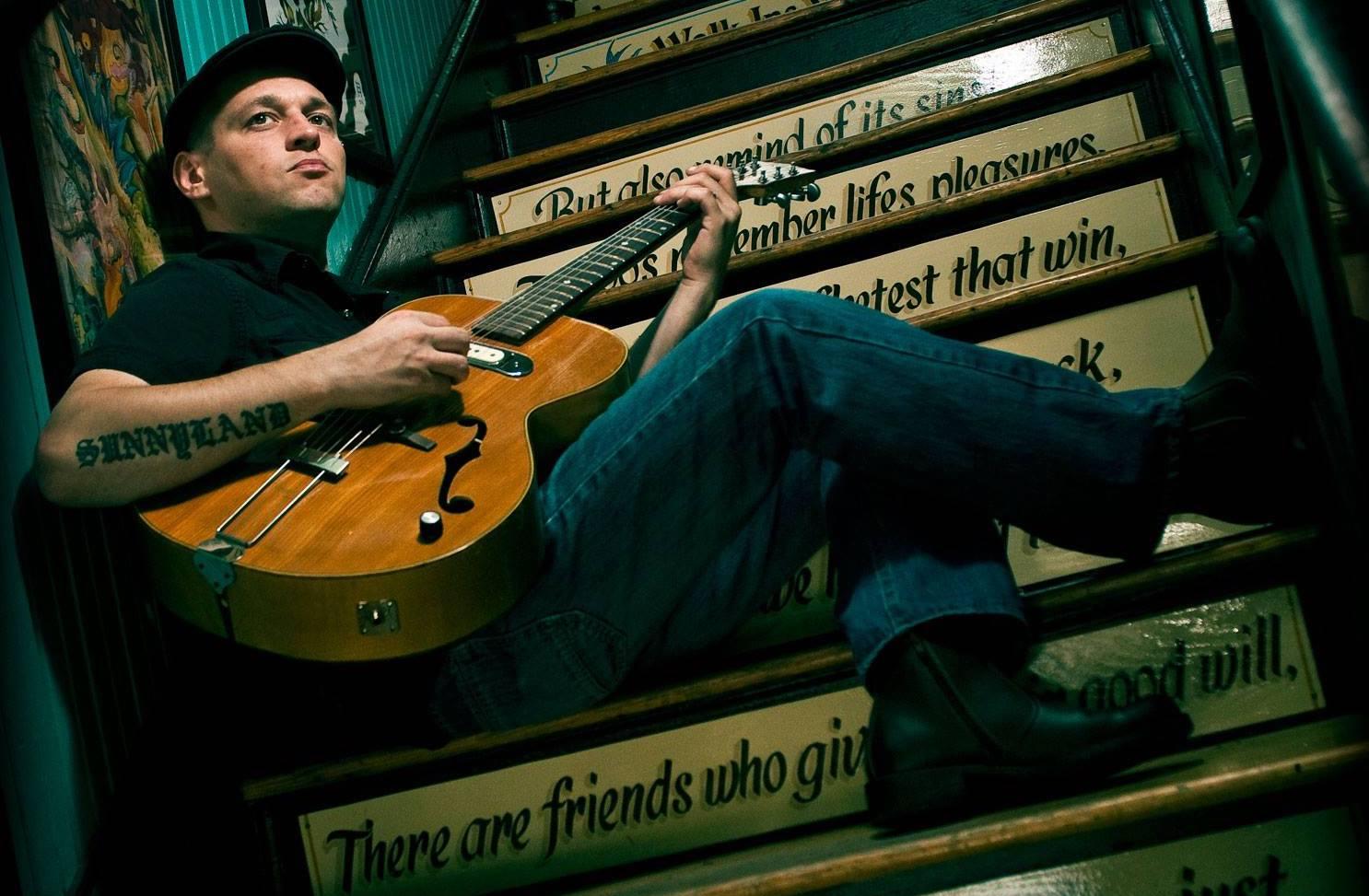 Egy magyar blueszenész kalandjai a világban