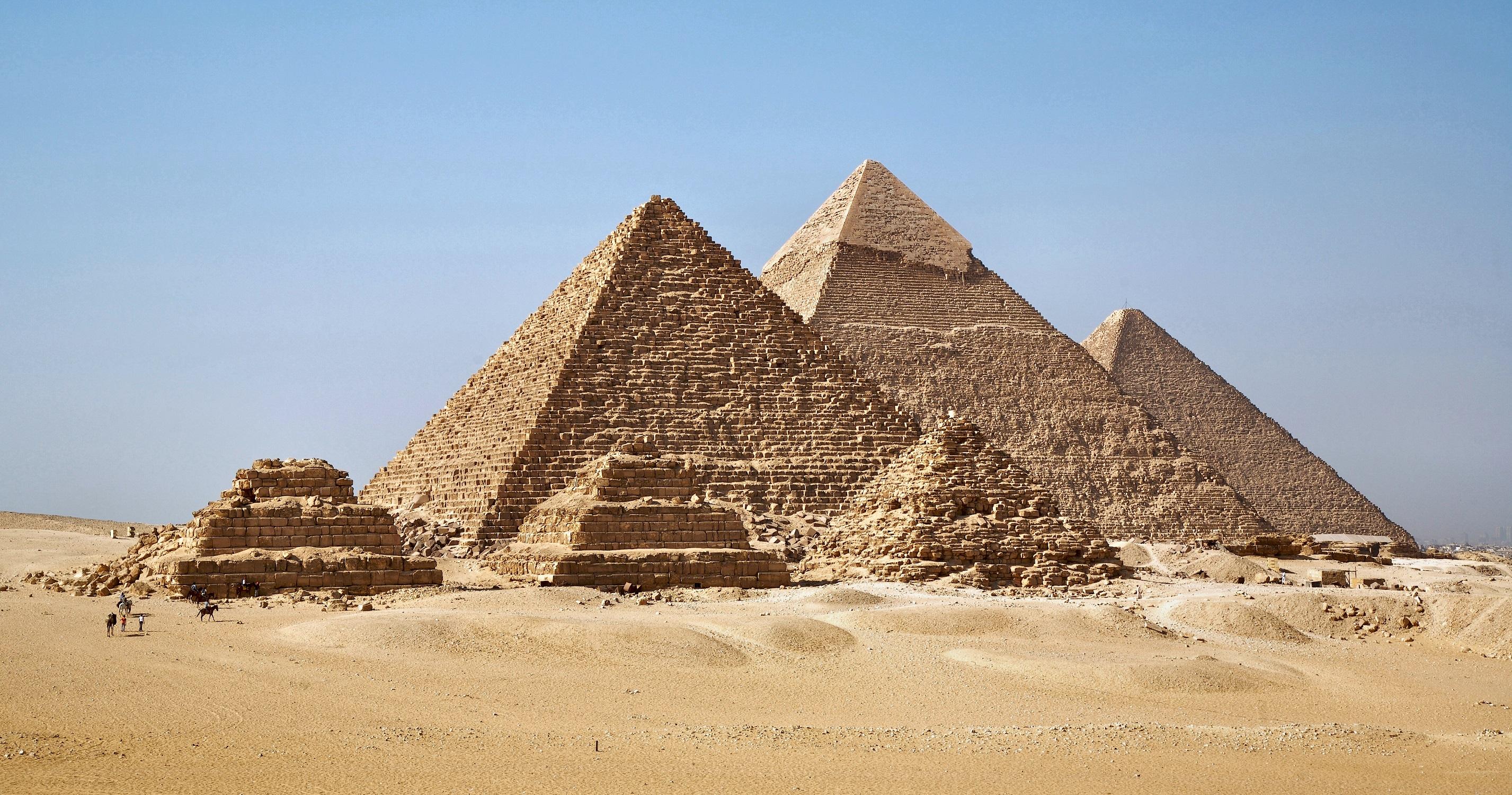all_gizah_pyramids-2.jpg