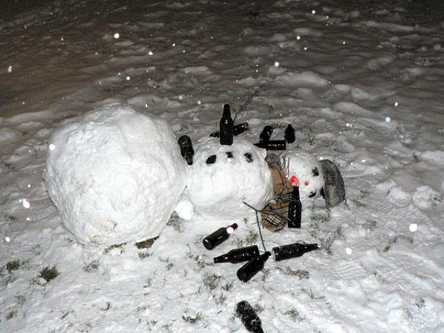 drunk_snowmen_640_01.jpg