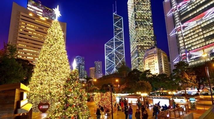 hk-winterfest_statue-square-christmas-tree-e1479716790925.jpg