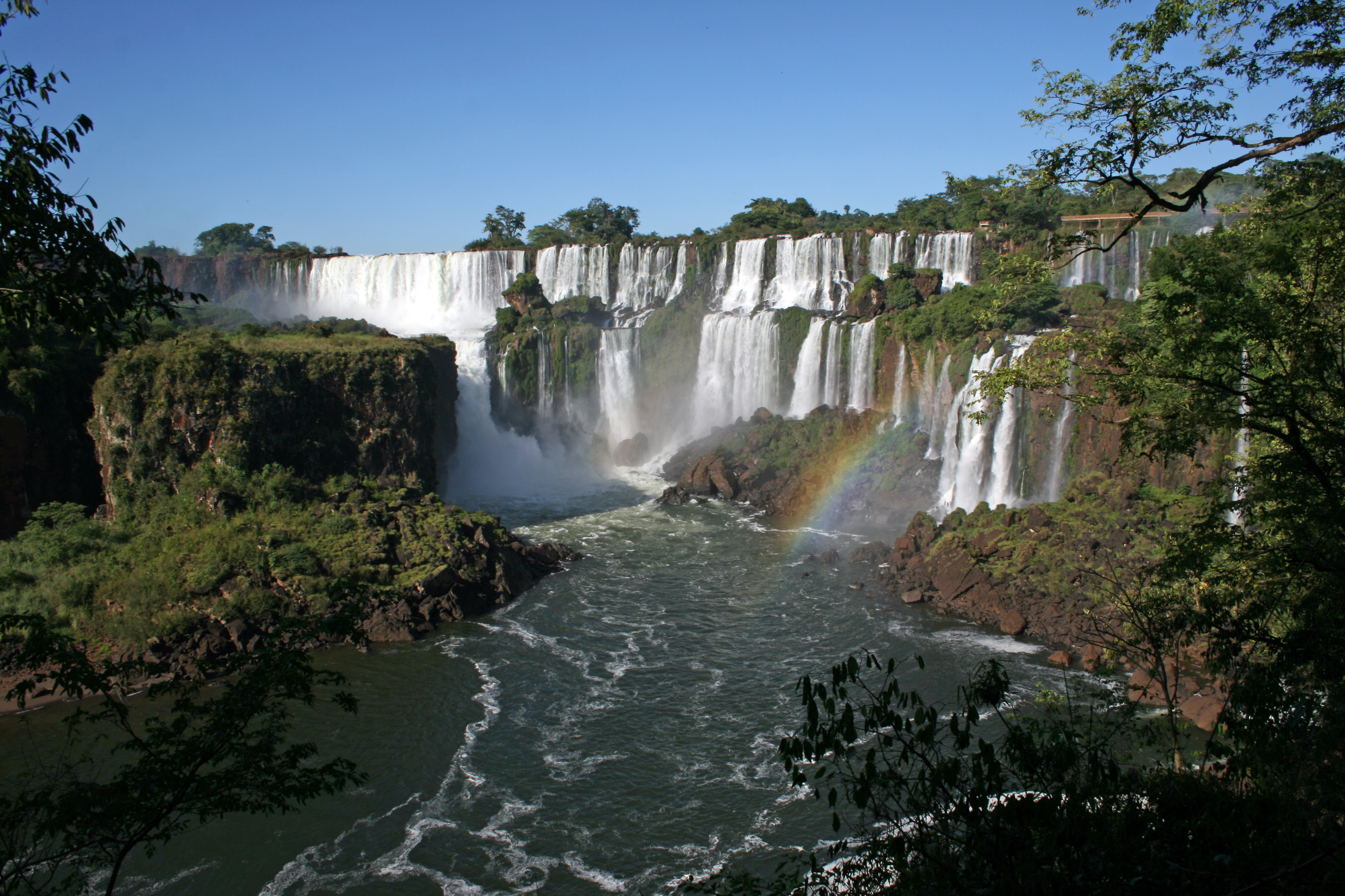 iguazu_national_park_falls.jpg