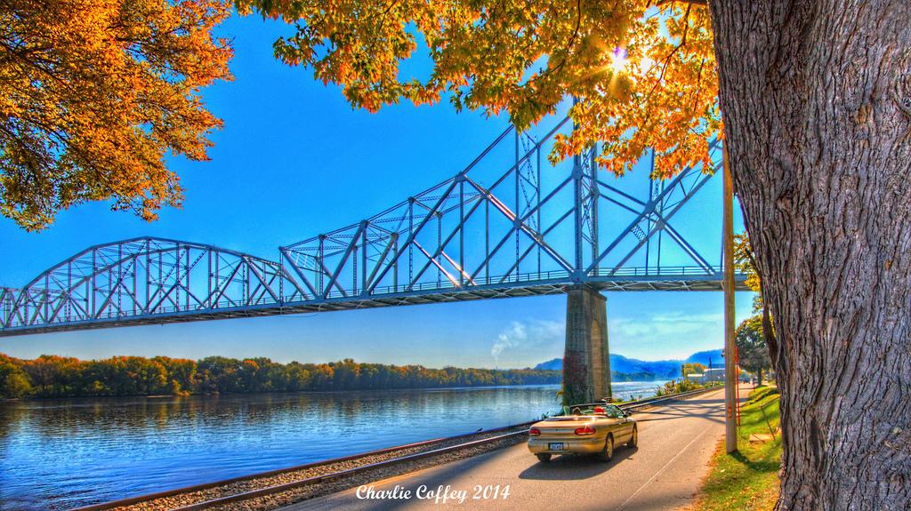 lansing-black-hawk-bridge.jpg