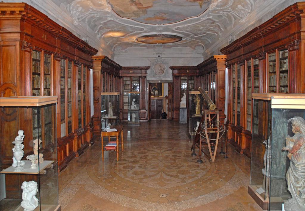 le_musee_de_san_lazzaro_degli_armeni_lagune_de_venise.jpg