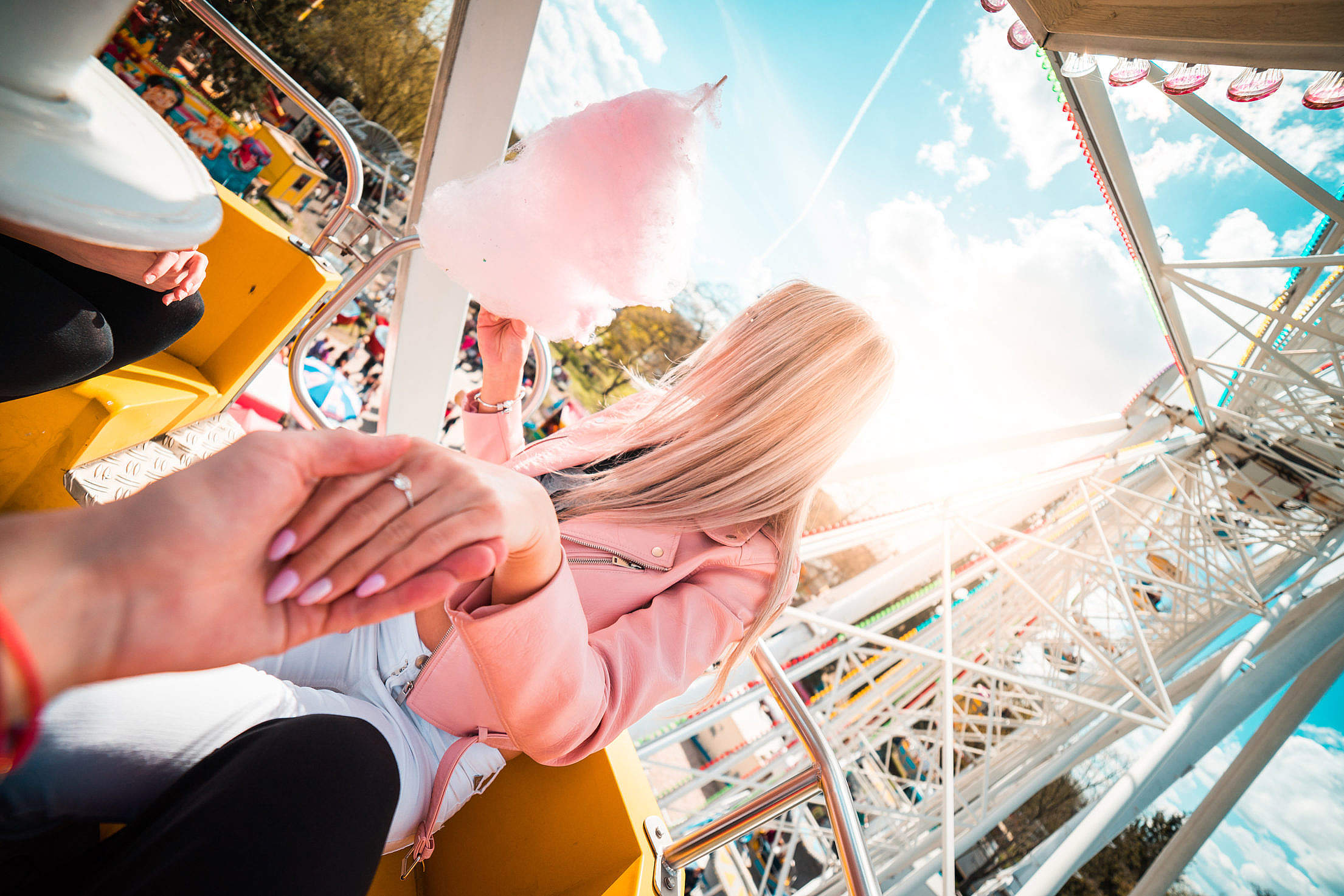 lovely-couple-on-date-ferris-wheel_free_stock_photos_picjumbo_dsc07775-2210x1473.jpg