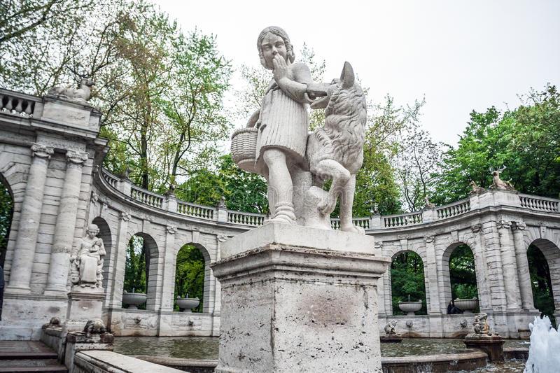 marchenbrunnen-fairy-tale-fountain-volkspark-friedrichsha-friedrichshain-park-berlin-germany-45026711.jpg