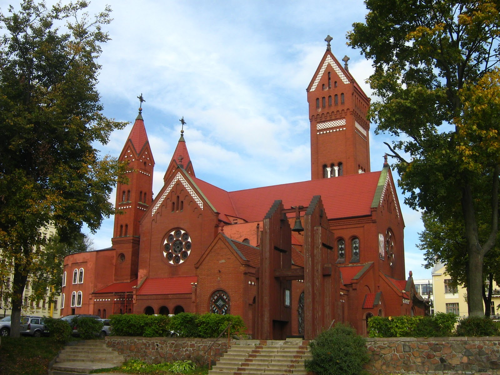 minsk_red_church2.jpg