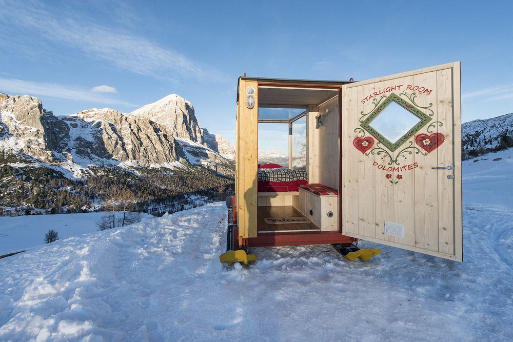 mobile-cabin-dolomites.jpg