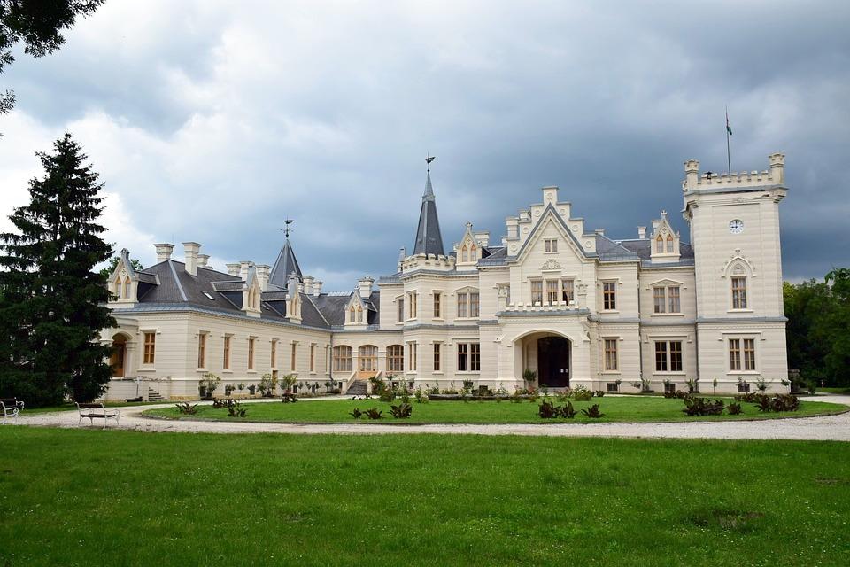 nadasdy-castle-2515743_960_720.jpg