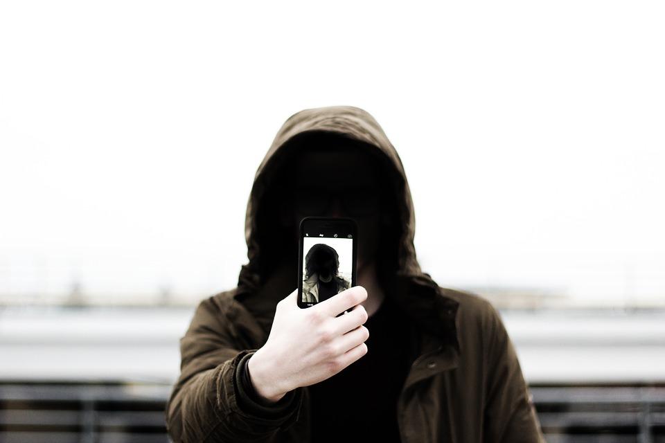 selfie-1209886_960_720.jpg