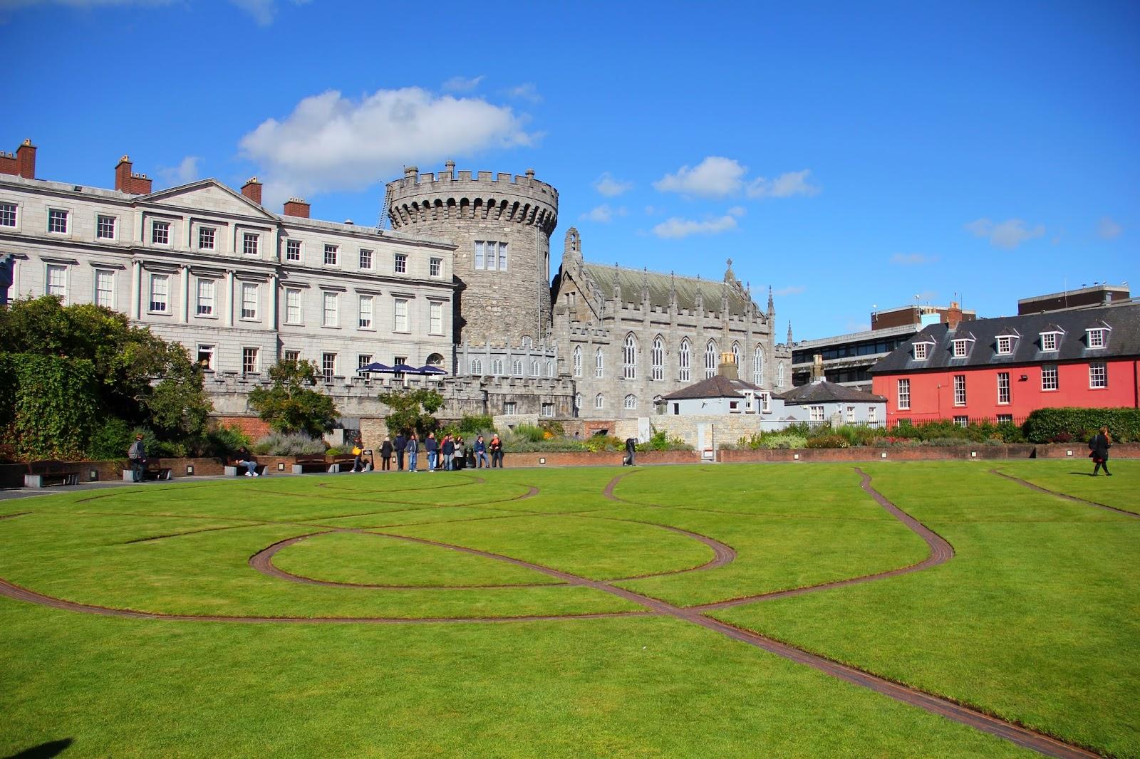 the_dubhlinn_gardens_dublin_castle_01.JPG