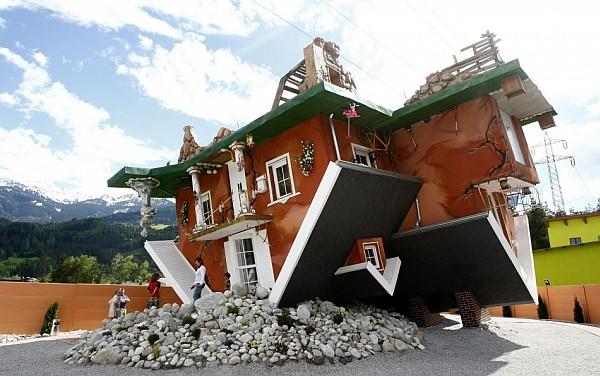 upside-down-house-terfens-austria-1.jpg