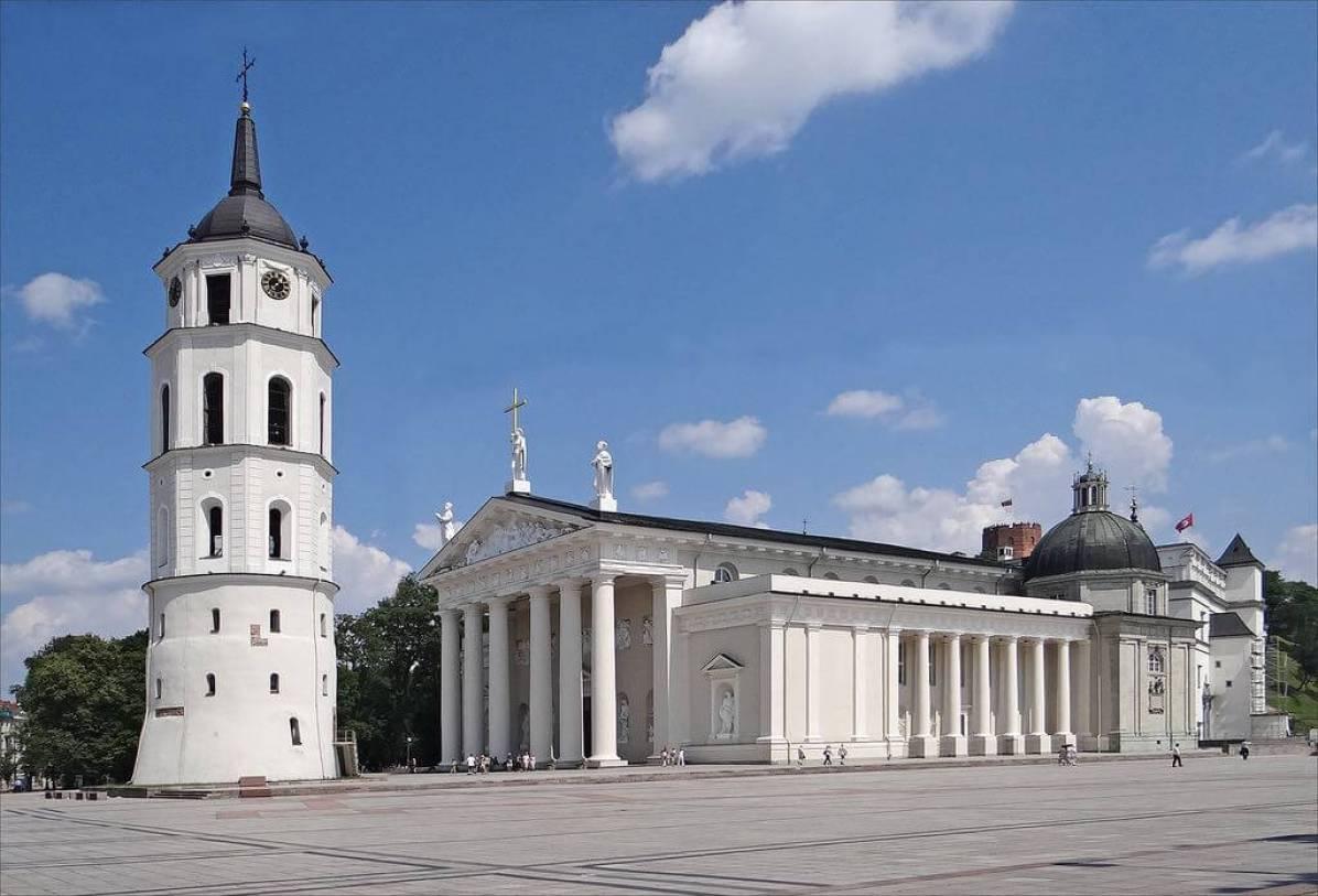 vilnius-cathedral-by-jean-pierre-dalbera-dalberaflickr.jpg