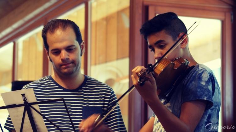 Lakatos György és diákja, Kristóf Krisztián. Fotó: Nagy Gergely, Snétberger Zenei Tehetség Központ
