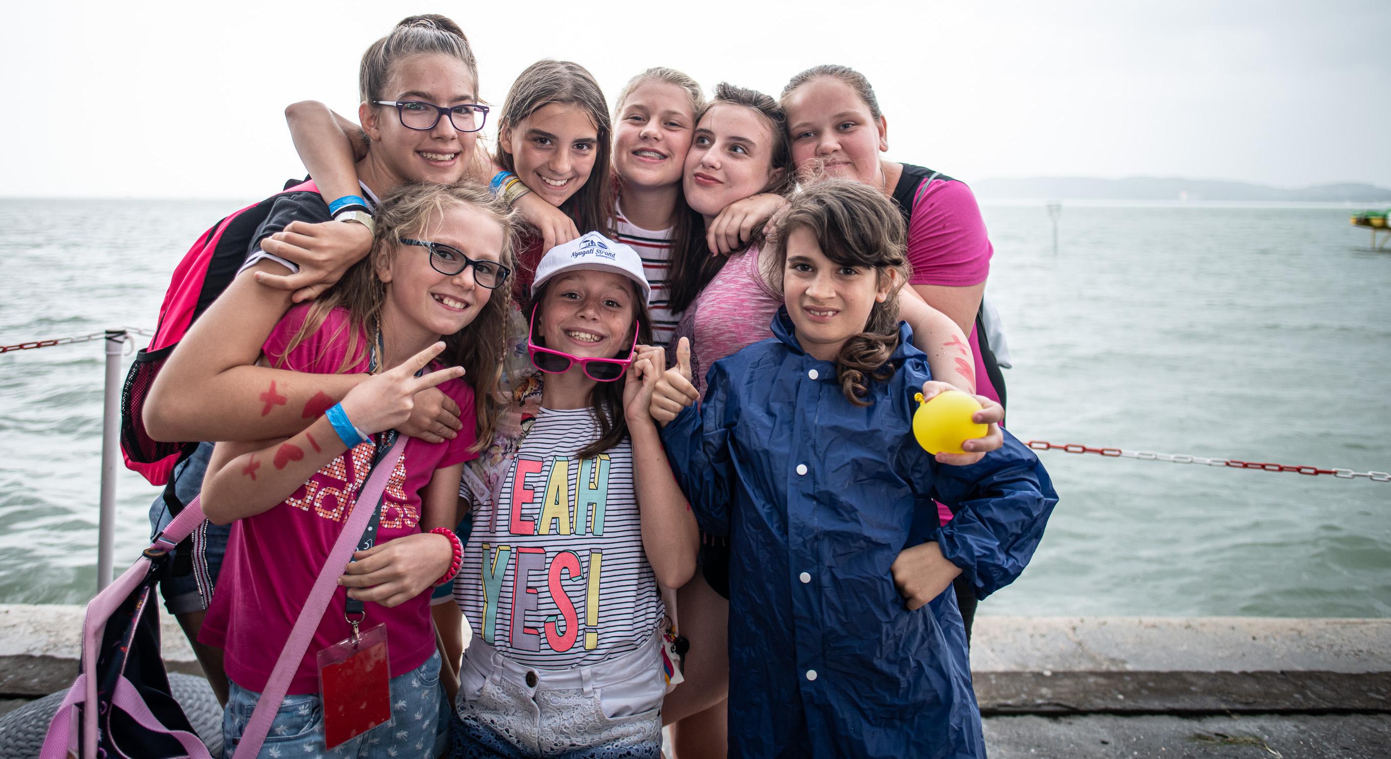 A fotó a Magyar Vöröskereszt nyári táborában készült.
