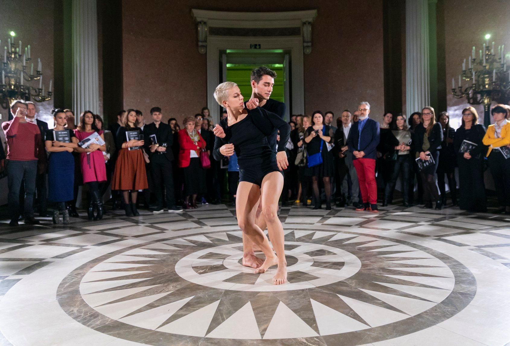 Maurer Milán és Esterházy Fanni a 2019-es Art is Business díjátadón – Forrás: Facebook