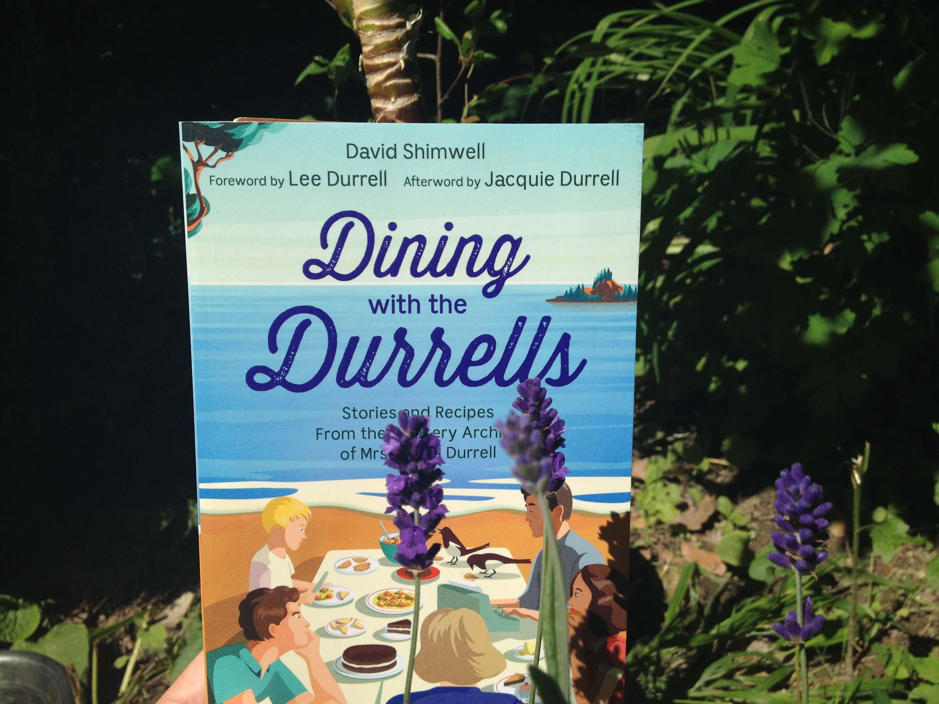 A Dining with the Durrells betekintést nyújt a családi receptgyűjteménybe