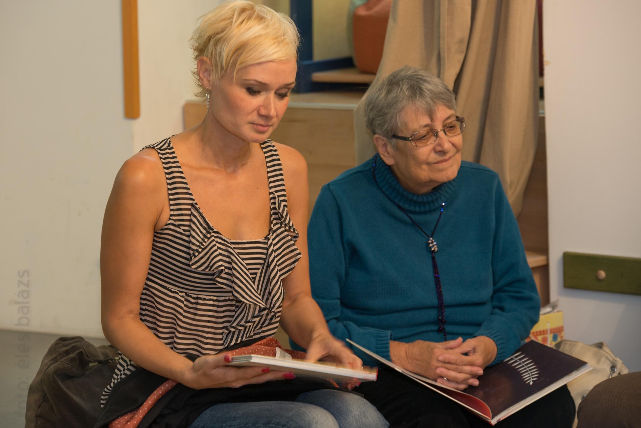 A szerző, Finy Petra Marék Veronikával olvas fel a Mesemúzeumban