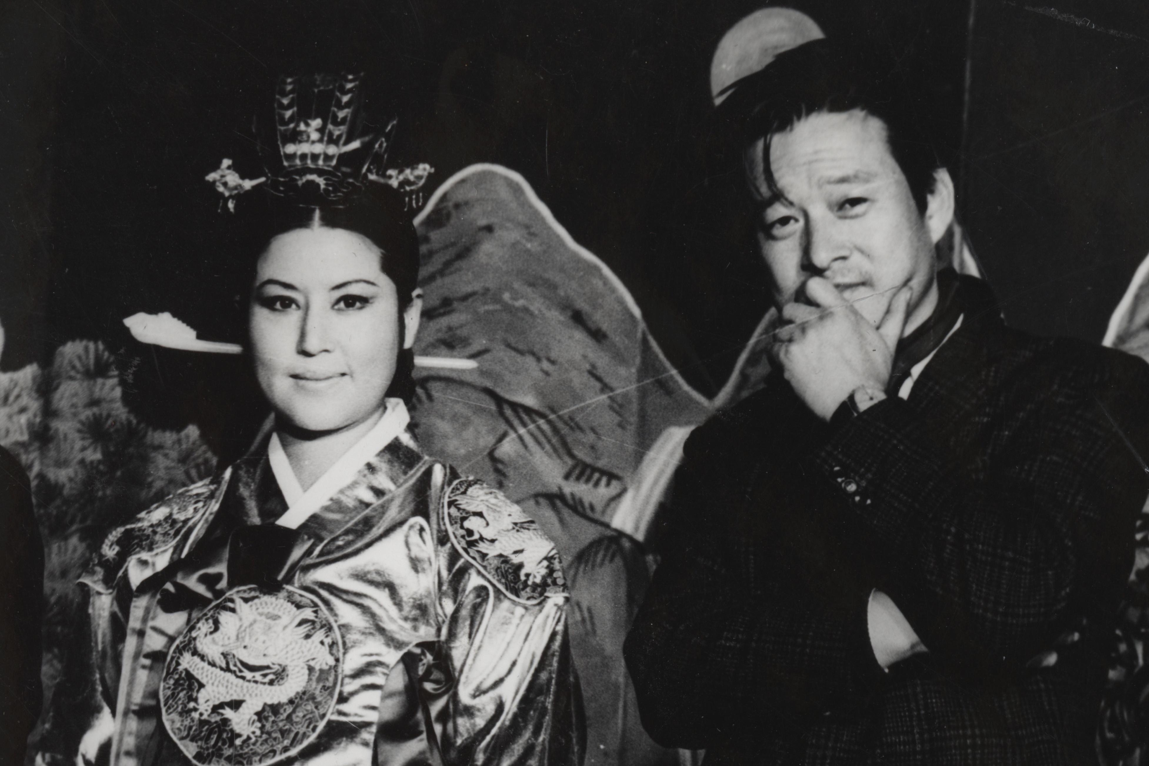 Choi Eun-hee és férje, Shin Sang-ok majd egy évtizeden át raboskodott Észak-Koreában