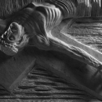A Keresztút szobrai fotókon