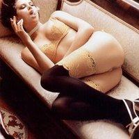 Megnézheti Charlize Theron melleit