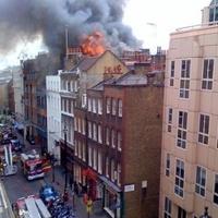 Komoly tűz pusztított London szórakoztató negyedében